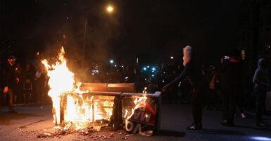 Philadelphia-Riots-385x200-1.jpg
